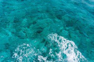 couleur eau iles cayman