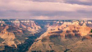 Pourquoi survoler le Grand Canyon en hélicoptère plutôt qu'en avion?