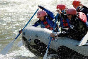 Quelle est la meilleure saison pour effectuer le rafting sur la rivière Pacuare ?